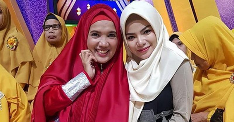 https: img-o.okeinfo.net content 2019 05 20 33 2058092 dinar-candy-ungkap-alasan-kenakan-hijab-selama-ramadan-0J8y4FsuM8.jpg