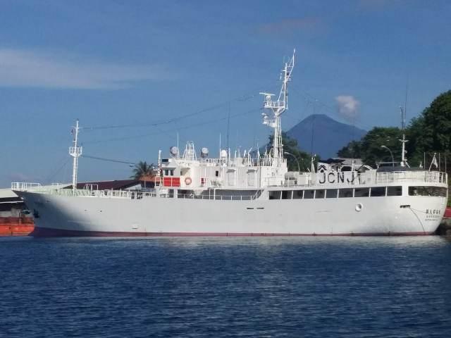 https: img-o.okeinfo.net content 2019 05 20 337 2057765 kp-hiu-05-periksa-kapal-ikan-jepang-di-zeei-laut-sulawesi-fhpYqhMELh.jpg