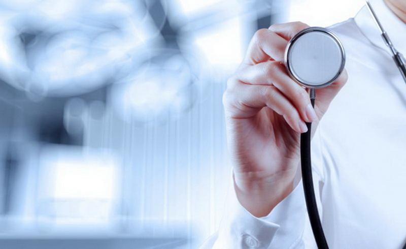 https: img-o.okeinfo.net content 2019 05 20 481 2057885 profesi-dokter-di-tengah-gejolak-bangsa-politisasi-kesehatan-vs-politik-kesehatan-wiSF4ONFol.jpg