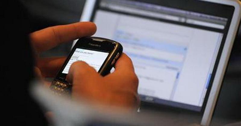 https: img-o.okeinfo.net content 2019 05 21 57 2058548 pilih-smartphone-atau-laptop-cek-gadget-yang-cocok-untuk-anda-dengan-kuis-ini-Uh0Q46ErTP.jpg