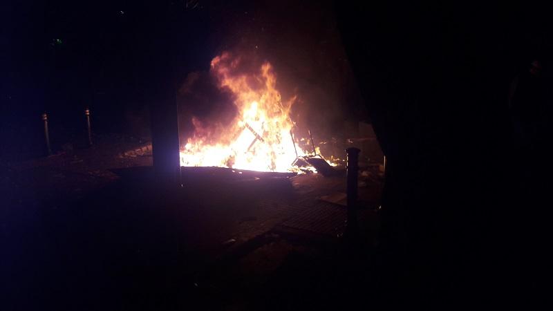 https: img-o.okeinfo.net content 2019 05 22 337 2059240 motor-wartawan-dibakar-massa-aksi-22-mei-di-bawaslu-MmLB5a6zAM.jpg