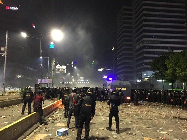 tindakan-tegas-polisi-untuk-redam-aksi-22-mei-dibenarkan-secara-hukum