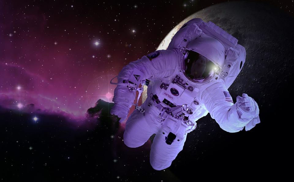 https: img-o.okeinfo.net content 2019 05 24 615 2060138 bagaimana-astronot-beribadah-salat-dan-berpuasa-di-pesawat-luar-angkasa-UnuUXfWLeJ.jpg