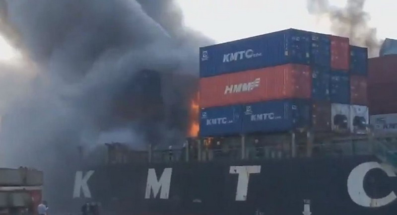 https: img-o.okeinfo.net content 2019 05 25 18 2060357 kapal-kargo-terbakar-dan-meledak-di-pelabuhan-thailand-lukai-sedikitnya-50-orang-pqcszZV5XO.jpg