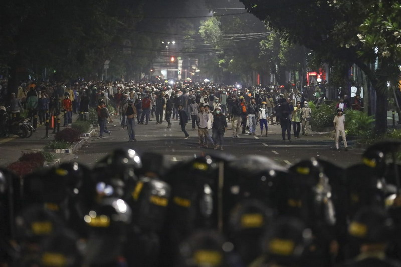 https: img-o.okeinfo.net content 2019 05 26 337 2060446 komplnas-minta-polisi-selidiki-kekerasan-terhadap-jurnalis-saat-aksi-22-mei-75DLOvTJNN.jpg