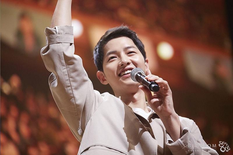 https: img-o.okeinfo.net content 2019 05 27 206 2060988 dapat-suntikan-dana-film-baru-song-joong-ki-mulai-syuting-juli-2019-vH2C90mmIp.jpg