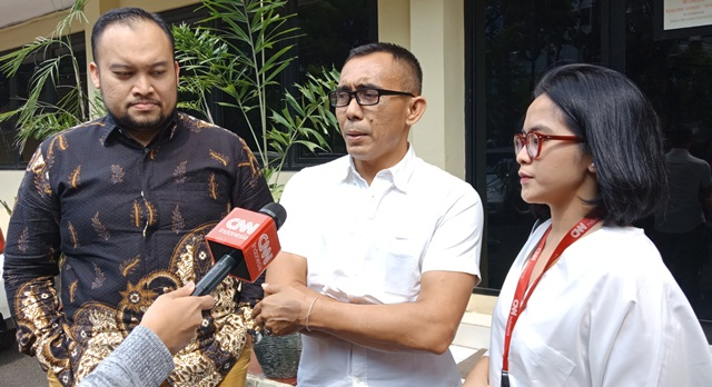 https: img-o.okeinfo.net content 2019 05 28 337 2061349 dianiaya-saat-liput-aksi-22-mei-jurnalis-cnn-indonesia-lapor-ke-propam-polri-SSbDMPAI1L.jpg
