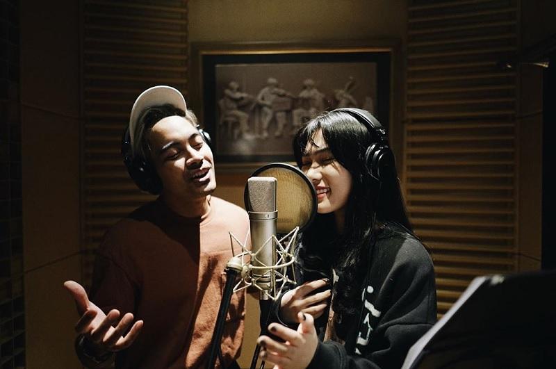 https: img-o.okeinfo.net content 2019 05 29 205 2061942 soundtrack-aladdin-versi-isyana-sarasvati-dan-gamaliel-tembus-1-juta-pendengar-zCnaOdStJE.jpg