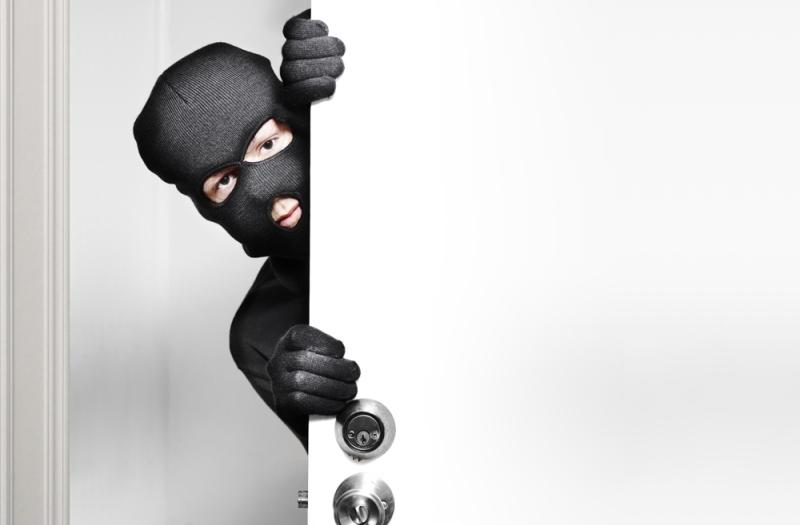 https: img-o.okeinfo.net content 2019 05 29 340 2061713 polisi-ingatkan-pemudik-untuk-waspadai-pencurian-rumah-kosong-ECoHAT1xCK.jpg