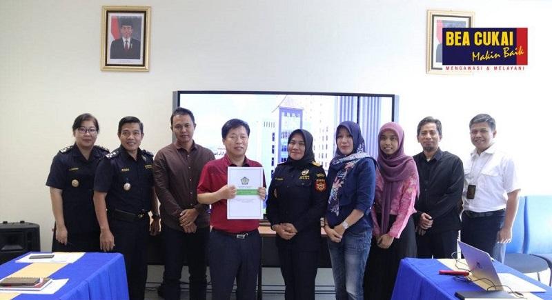 https: img-o.okeinfo.net content 2019 05 31 1 2062510 dapat-fasilitas-impor-dari-bea-cukai-pt-jkj-indonesia-siap-tambah-tenaga-kerja-h71mkSPS3c.jpg