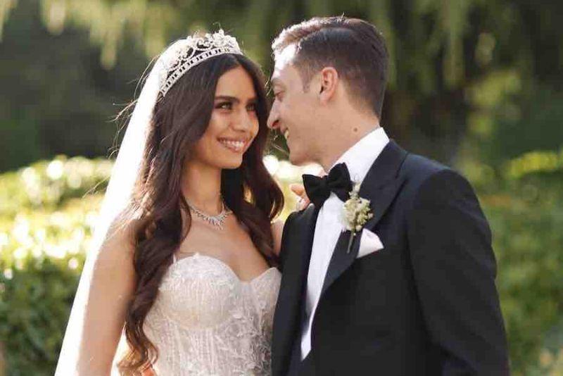 https: img-o.okeinfo.net content 2019 06 09 612 2064664 rayakan-pernikahan-mesut-ozil-biayai-operasi-1-000-anak-B0Yc5HTmpu.jpg