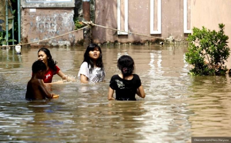 https: img-o.okeinfo.net content 2019 06 12 340 2065502 korban-banjir-samarinda-kaltim-capai-30-580-jiwa-9Zt3J0sYHl.jpg