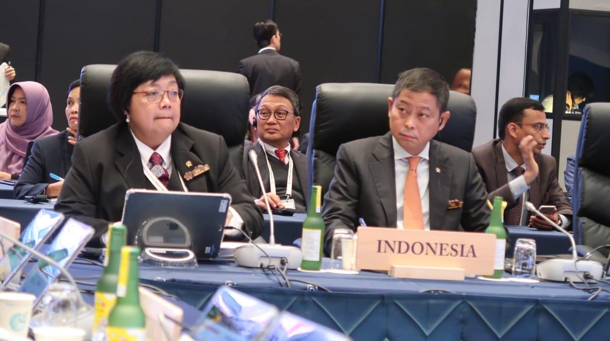 https: img-o.okeinfo.net content 2019 06 15 337 2066825 pertemuan-g20-menteri-lhk-paparkan-pembangunan-rendah-karbon-di-indonesia-4kGbITyNUG.jpg