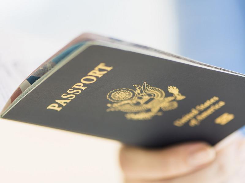 https: img-o.okeinfo.net content 2019 06 16 244 2067027 hingga-juni-2019-imigrasi-temukan-puluhan-wna-berpaspor-palsu-RumDhO1WR3.jpg