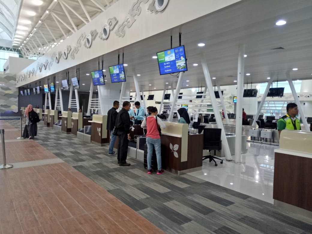 https: img-o.okeinfo.net content 2019 06 16 320 2067017 perpindahan-penerbangan-dari-bandara-husein-sastranegara-ke-kertajati-dimulai-WU7acb6C2m.jpg