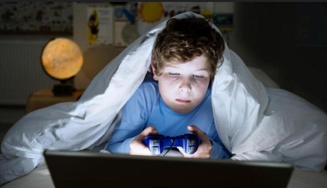 https: img-o.okeinfo.net content 2019 06 16 326 2067064 studi-ungkap-game-online-dengan-unsur-senjata-berbahaya-untuk-anak-anak-YhlhZ9Ch6z.jpg