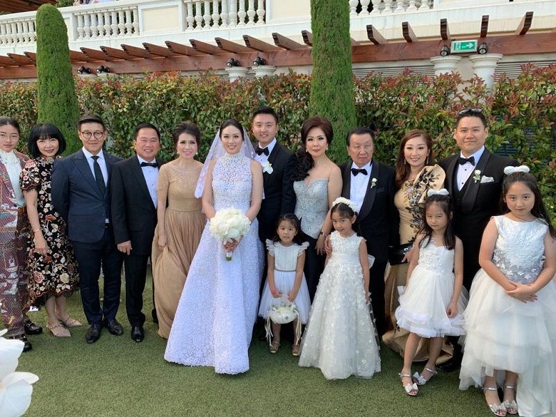https: img-o.okeinfo.net content 2019 06 18 196 2067654 5-fakta-pernikahan-mewah-anak-putera-sampoerna-tamu-undangan-dapat-hermes-NyYcAGKfFl.jpg
