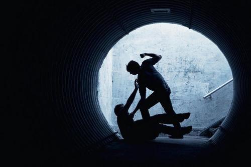 https: img-o.okeinfo.net content 2019 06 19 340 2068437 gara-gara-tak-diberi-password-wifi-abg-aniaya-temannya-hingga-tewas-BoMDLKoKlv.jpg