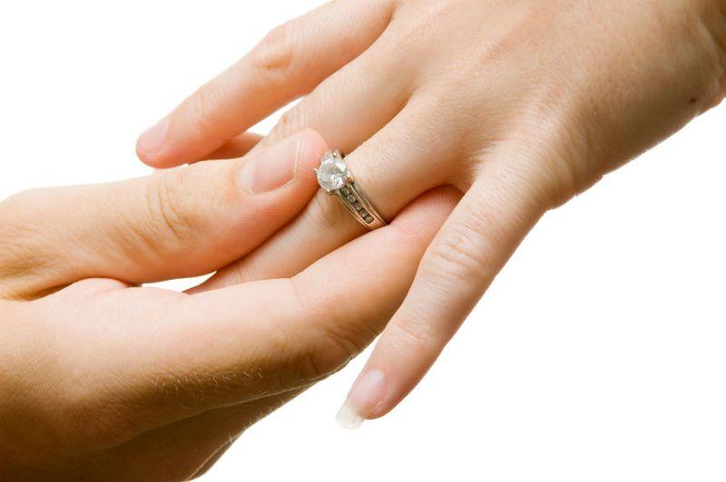 https: img-o.okeinfo.net content 2019 06 19 614 2068328 pernikahan-bukan-transaksi-jual-beli-berapa-besaran-mahar-yang-dianjurkan-islam-ZUZOpSvxUj.jpg