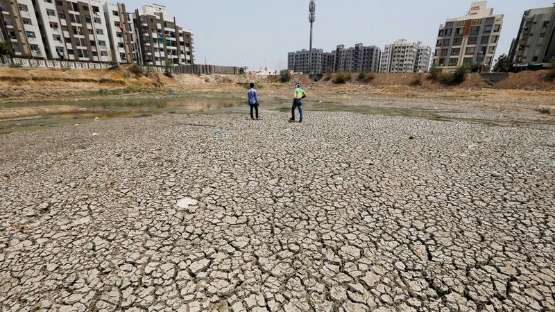 https: img-o.okeinfo.net content 2019 06 20 18 2068658 gelombang-panas-tewaskan-sedikitnya-92-orang-di-india-suhu-capai-50-derajat-celcius-KSnmxdcapm.jpg