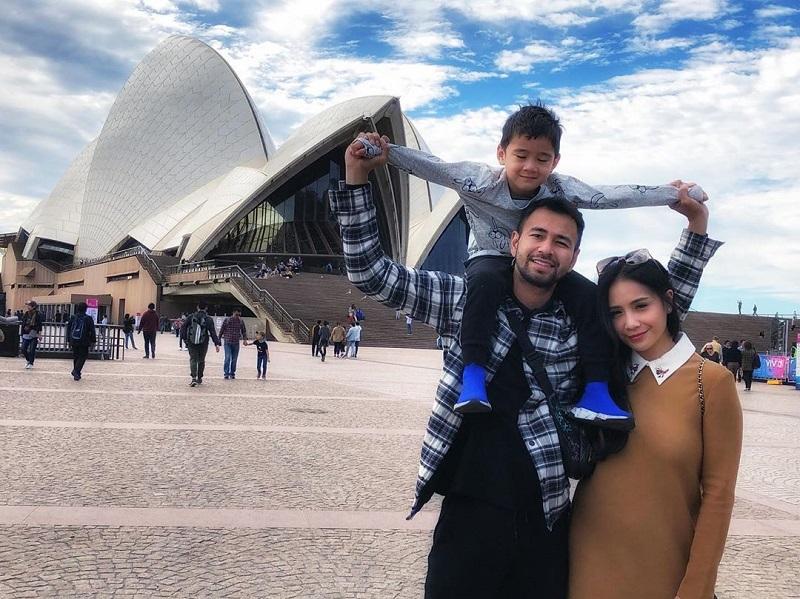 https: img-o.okeinfo.net content 2019 06 21 406 2069038 potret-keseruan-liburan-keluarga-raffi-ahmad-ke-australia-ketemu-gisel-gempi-yQUdgZheK7.jpg