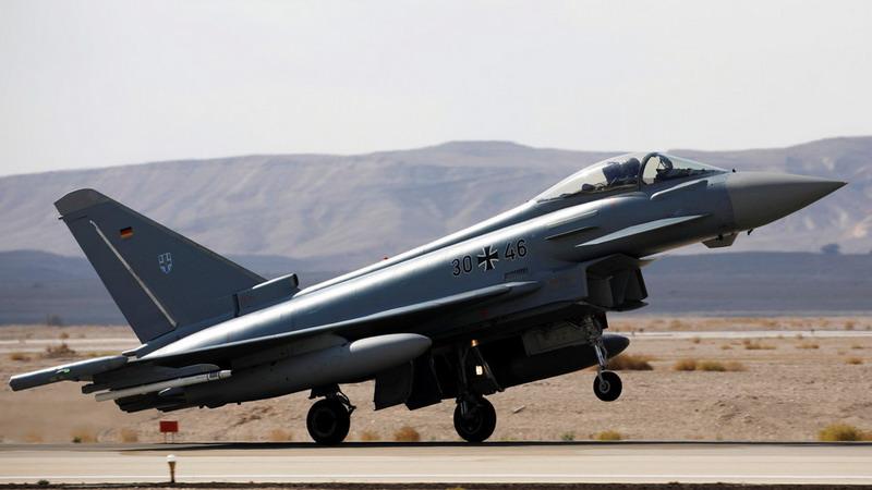 https: img-o.okeinfo.net content 2019 06 25 18 2070716 dua-jet-tempur-jerman-bertabrakan-di-udara-seorang-pilotnya-tewas-toTsxVXxuN.jpg