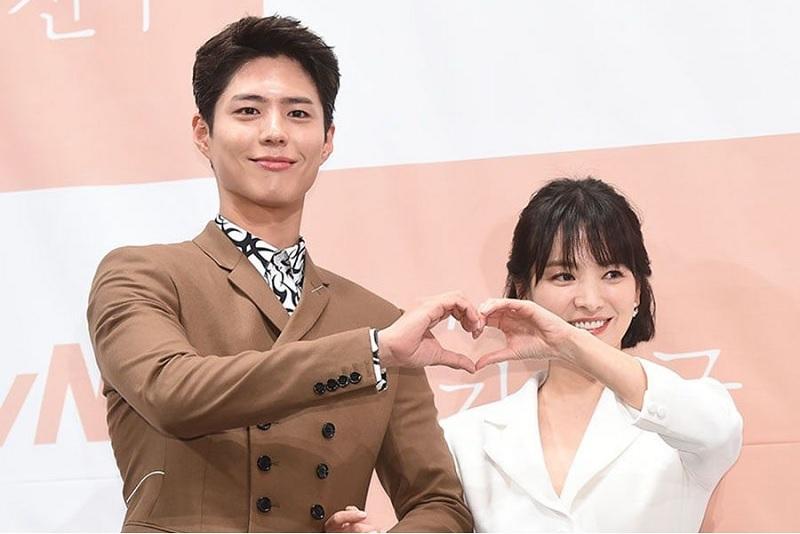 https: img-o.okeinfo.net content 2019 06 27 33 2071513 diceraikan-song-joong-ki-song-hye-kyo-dirumorkan-selingkuh-dengan-park-bo-gum-fEEsnH8427.jpg