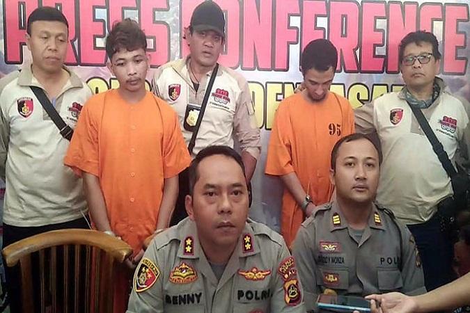 https: img-o.okeinfo.net content 2019 06 28 244 2072195 2-tahanan-polsek-kuta-selatan-yang-kabur-ditangkap-di-jakarta-DM0fdMufFV.jpg