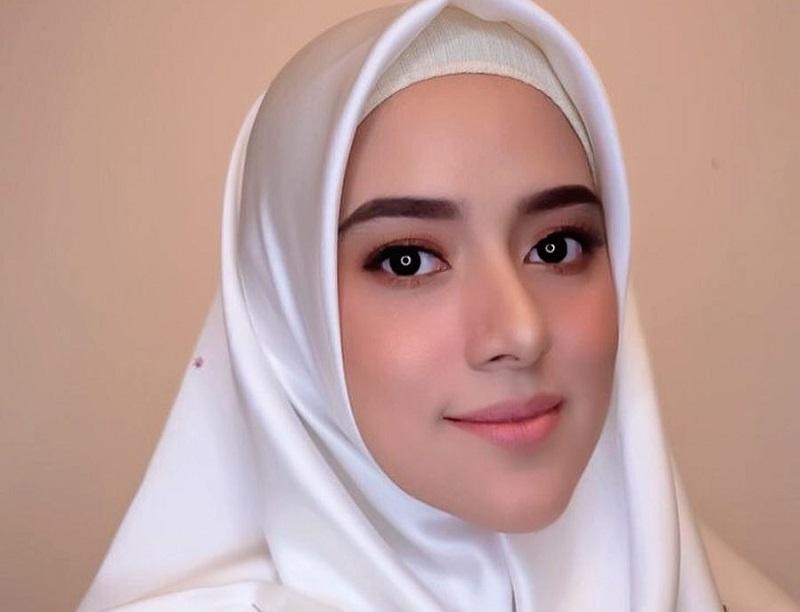 https: img-o.okeinfo.net content 2019 07 01 33 2073328 fairuz-a-rafiq-tanggapi-tudingan-mantan-suami-soal-gonta-ganti-pasangan-EY3eydhKC6.jpg