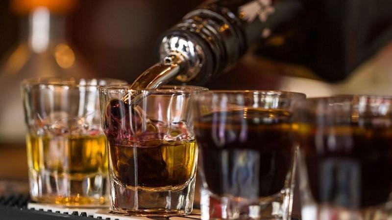 https: img-o.okeinfo.net content 2019 07 02 298 2073846 jadi-gaya-hidup-ini-jenis-alkohol-paling-diminati-milenial-w9eJs9Jpy1.jpg