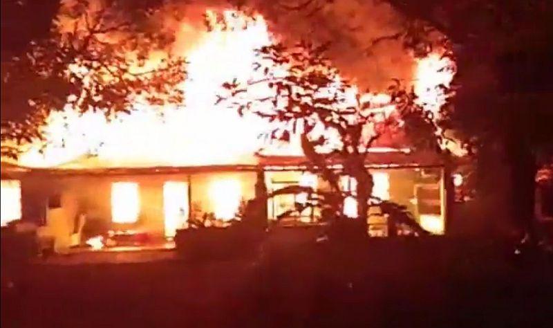 https: img-o.okeinfo.net content 2019 07 02 608 2073389 kebakaran-hebat-hanguskan-8-rumah-di-asrama-tni-binjai-CystC5SJMW.jpg