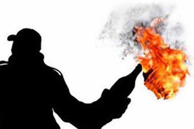 https: img-o.okeinfo.net content 2019 07 04 512 2074787 teror-bom-molotov-beruntun-di-magelang-warga-diimbau-tak-takut-nGWwjIndYD.jpg