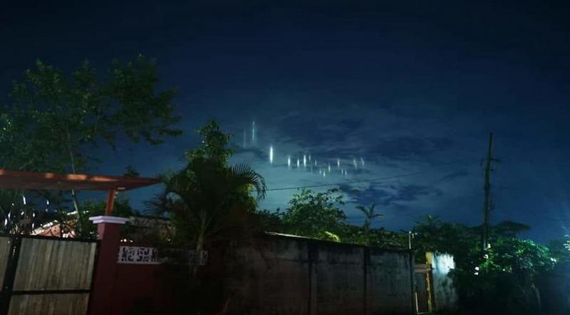 https: img-o.okeinfo.net content 2019 07 08 18 2076256 pilar-cahaya-unik-terlihat-di-langit-sulu-filipina-hebohkan-warganet-Z9H39Nqgnj.jpg