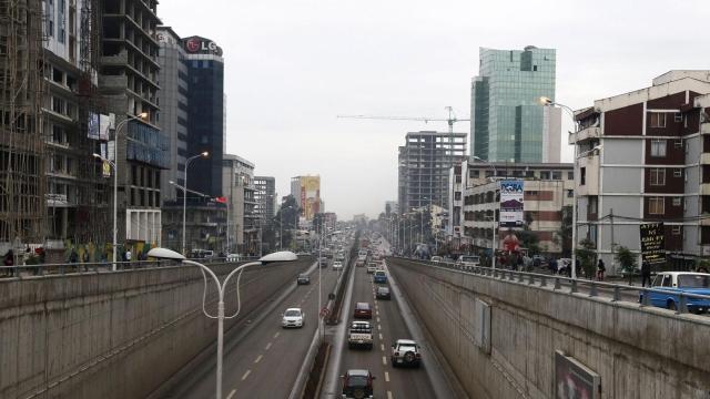 https: img-o.okeinfo.net content 2019 07 10 18 2076969 kota-addis-ababa-ethiopia-mulai-larang-penggunaan-sepeda-motor-ghdXzOtoik.jpg