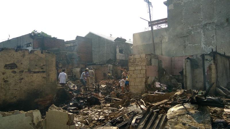 https: img-o.okeinfo.net content 2019 07 10 338 2077234 1-400-warga-mengungsi-akibat-kebakaran-di-tebet-1lnJnhish8.jpg