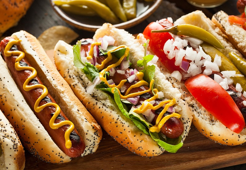 https: img-o.okeinfo.net content 2019 07 11 320 2077570 asal-usul-hot-dog-persaingan-2-toko-dalam-sejarah-makanan-amerika-bTsQzzLsqn.jpg