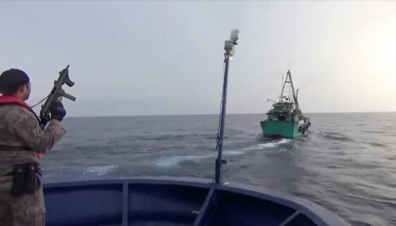 https: img-o.okeinfo.net content 2019 07 12 337 2078194 kkp-dan-bakamla-tangkap-6-kapal-ilegal-vietnam-GcDTGshLAt.jpg