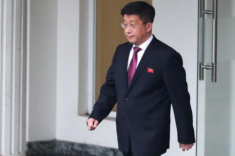 https: img-o.okeinfo.net content 2019 07 16 18 2079720 negosiator-korea-utara-yang-dilaporkan-telah-dieksekusi-ternyata-masih-hidup-yX5uThXmKD.jpg