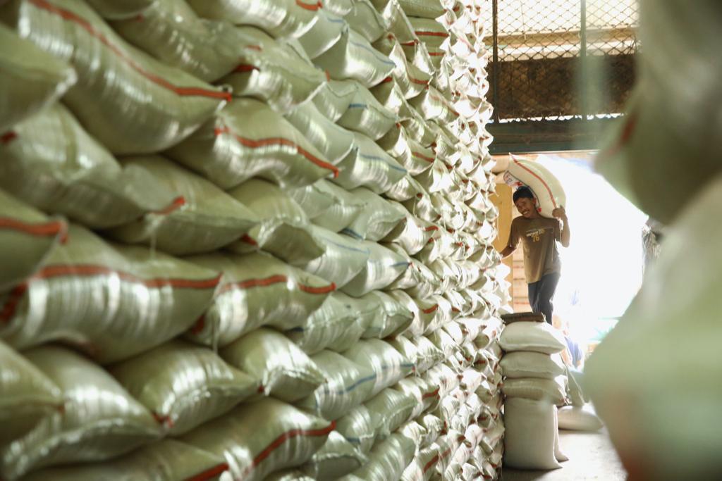 https: img-o.okeinfo.net content 2019 07 16 320 2079446 genjot-ekspor-ri-bangun-gudang-pangan-raksasa-di-5-kota-JWlD8TF0eQ.jpg