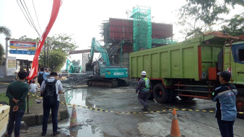https: img-o.okeinfo.net content 2019 07 17 320 2080032 kerugian-beton-proyek-tol-borr-ambruk-capai-rp1-miliar-wdIB3sNT6a.jpg