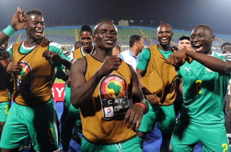https: img-o.okeinfo.net content 2019 07 18 51 2080747 sadio-mane-ingin-tukar-medali-liga-champions-dengan-trofi-piala-afrika-2019-ycK7Im9Vlh.jpg