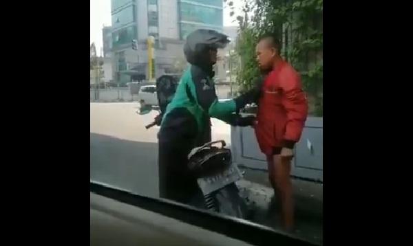 https: img-o.okeinfo.net content 2019 07 19 612 2080891 viral-video-driver-ojek-online-berikan-jaket-untuk-remaja-bugil-di-lampu-merah-MgrtdjtRXo.jpg
