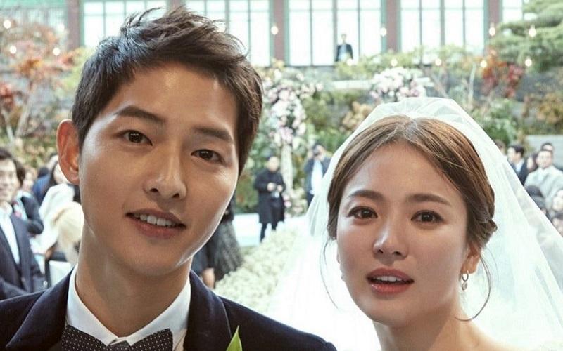 https: img-o.okeinfo.net content 2019 07 22 33 2081916 song-joong-ki-dan-song-hye-kyo-resmi-bercerai-8j2QPPakWe.jpg