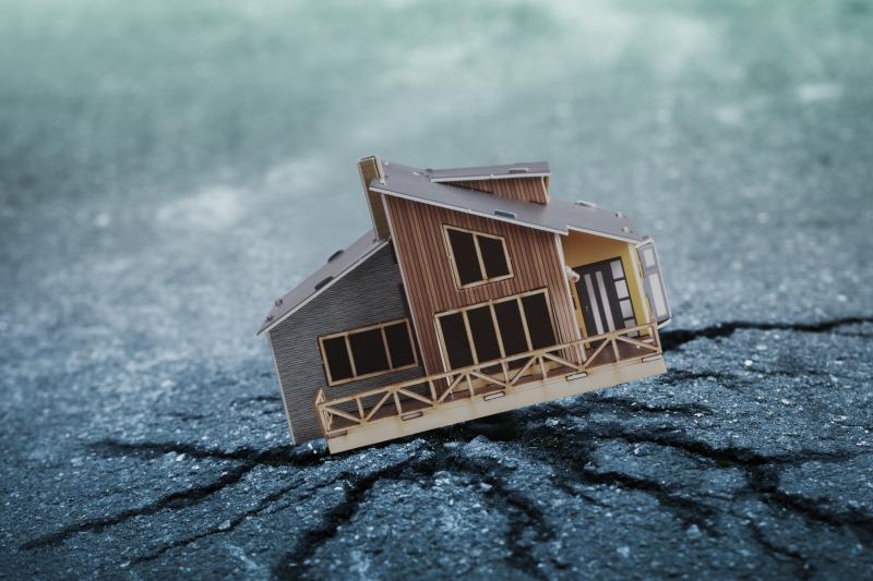 https: img-o.okeinfo.net content 2019 07 22 340 2081907 gempa-m5-1-guncang-seram-bagian-timur-tidak-berpotensi-tsunami-FWKKU0DeGM.jpg