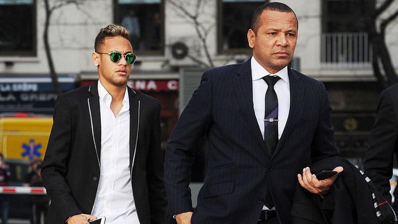 https: img-o.okeinfo.net content 2019 07 22 51 2082216 diisukan-hengkang-direktur-psg-tegaskan-belum-ada-tawaran-resmi-untuk-neymar-4qHWRVf25L.jpg