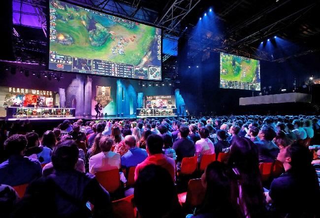 https: img-o.okeinfo.net content 2019 07 23 326 2082543 regulasi-game-dan-esports-masih-digodok-lintas-kementerian-zJBapy8mpl.jpg