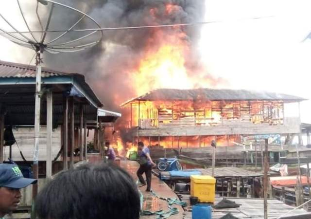 https: img-o.okeinfo.net content 2019 07 23 340 2082539 belasan-rumah-di-kawasan-permukiman-nelayan-ludes-terbakar-Uqjz13dnXG.jpg