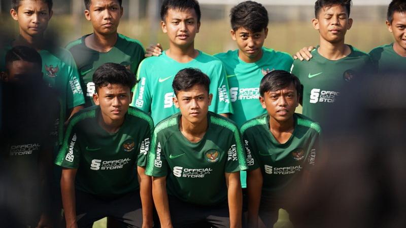 https: img-o.okeinfo.net content 2019 07 23 51 2082356 daftar-23-pemain-timnas-indonesia-di-piala-aff-u-15-2019-rDcKWAlxYc.jpg
