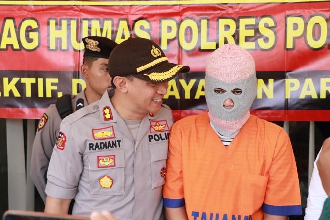 https: img-o.okeinfo.net content 2019 07 23 519 2082636 sebarkan-video-mesum-kekasihnya-di-medsos-pemuda-ponorogo-ditangkap-xHqzfGJlFs.jpg