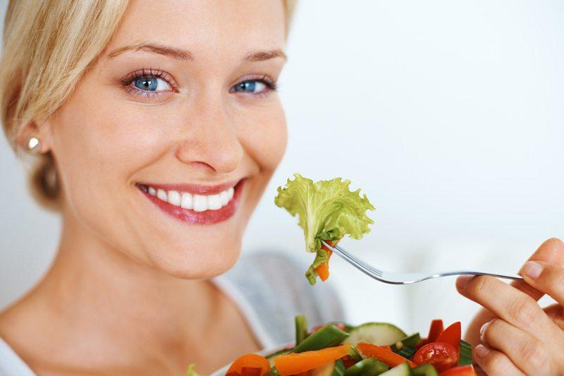 https: img-o.okeinfo.net content 2019 07 24 481 2083230 pola-makan-seperti-ini-ampuh-turunkan-risiko-diabetes-PJDd2fEgVo.jpg